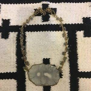 Jewelry - Geode stone gold necklace